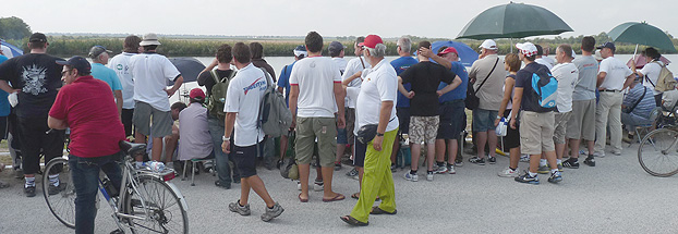 Large crowds had begun to form before the off behind some of England's anglers, Will Raison in particular.
